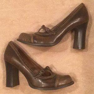 Tan/Natural Mary Jane Heels Size 9.5